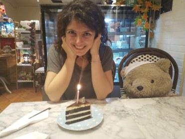 The Fabuluos, Khaosan çılgınlığının ortasında pasta severler için sessiz bir vaha