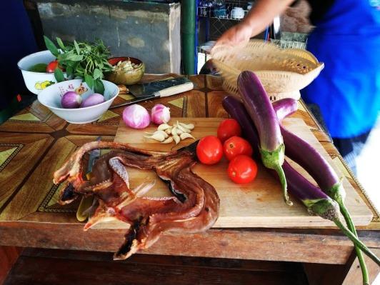 Patlıcanlı Kuru Balık (Eggplant with Dryfish)