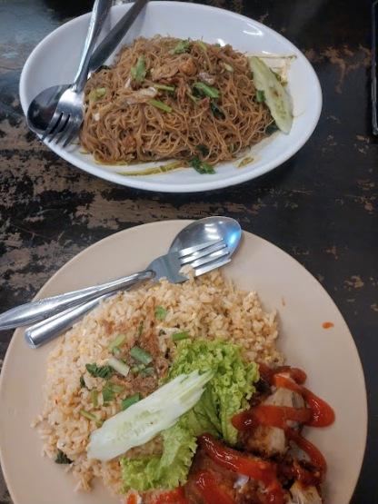 Pakleh Chicken Rice Restoran