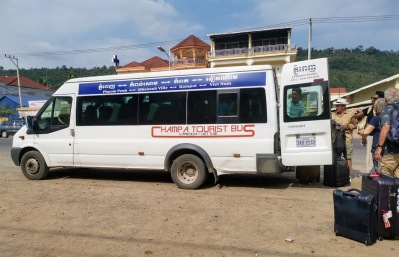 Kampot-Koh Kong arası ilk bindiğimiz minibüs