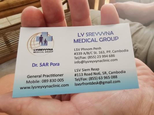 muayene eden doktorun kartviziti
