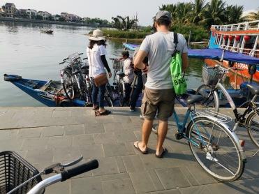 bisikletlerle tekneye binişimiz