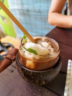 hindistan cevizi sütlü kahve