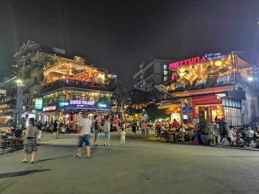 Pho Di Bo Yaya Yürüyüş Yolu