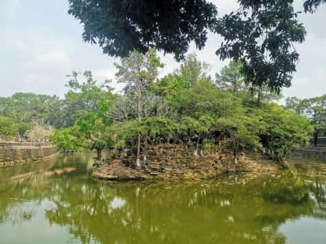 Tinh Khiem adacığı
