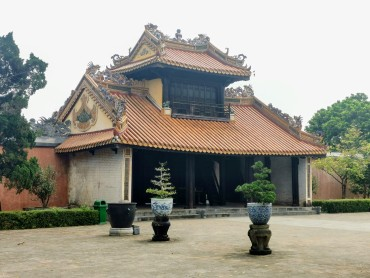 Khiem Cung Kapısı