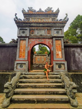 Queen Le Thien Anh'ın Mezarı