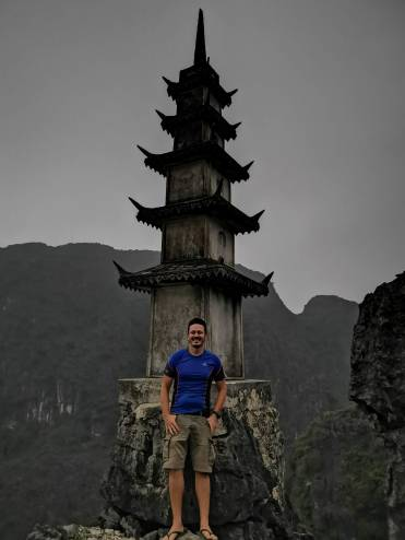 Mua Tepesindeki pagoda