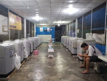 çamaşır yıkarken