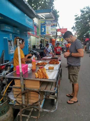sokak yemeği stantları