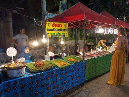 Sunday Lamai Street Market