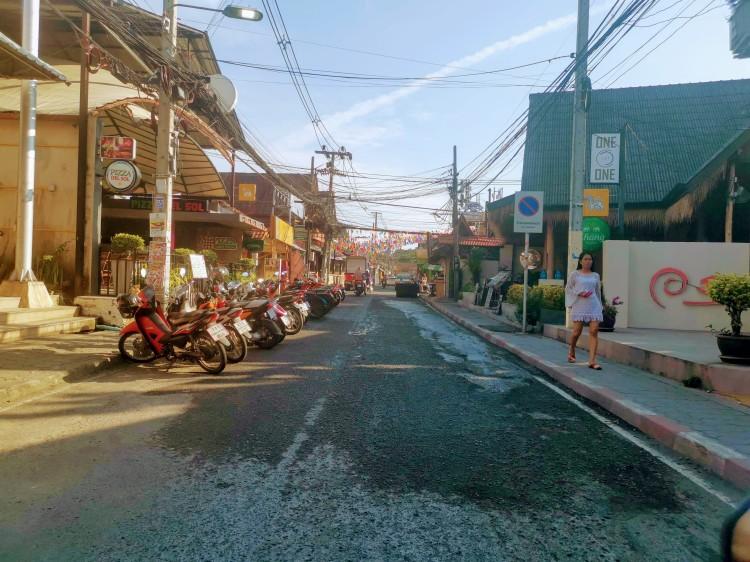 Had Lamai Road