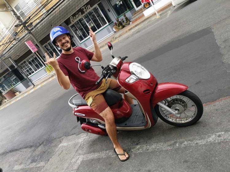 Phuket'te kullandığımız motosiklet