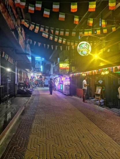 Phi Phi sokakları